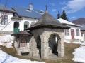 Fantana Manastirea Suzana | Galerie foto Cheia | Poze Statiunea Cheia