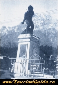 Statuia Caporal Musat (Ultima Grenada)